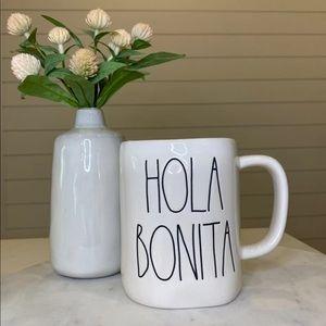Rae Dunn    Hola Bonita Mug